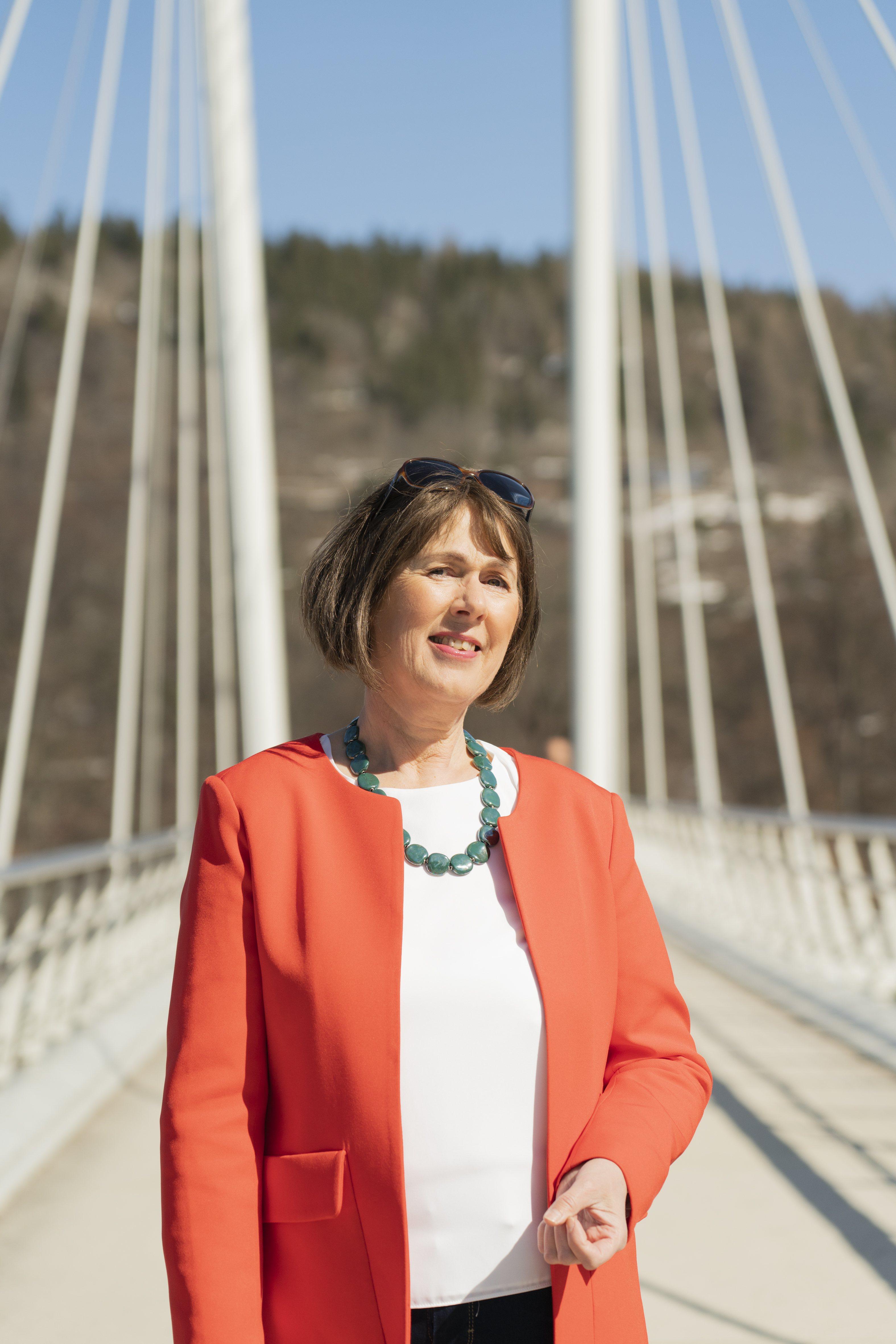 Jeanne på broen